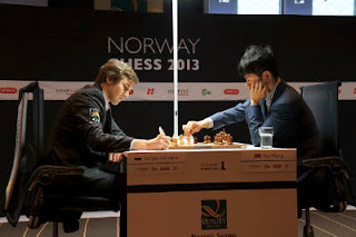 Échecs en Norvège : Sergey Karjakin (2767) 1-0 Wang Hao (2743) - Photo © site officiel