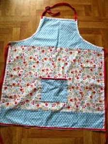 http://cocojude.wordpress.com/2013/04/22/apron-pattern-tutorial/