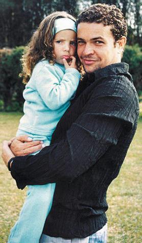 Orlando Fundichely feliz con su hija mayor Doris