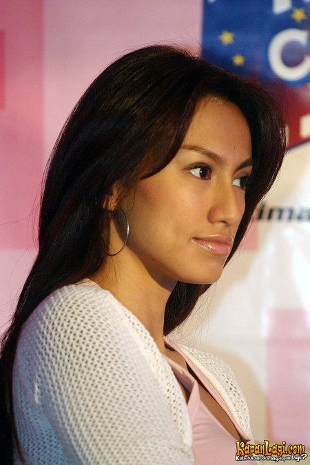 celebrity indonesia actress davina veronica
