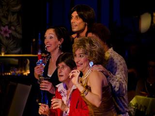 lume teatro-fit 2013-espetáculo os bem internacionados