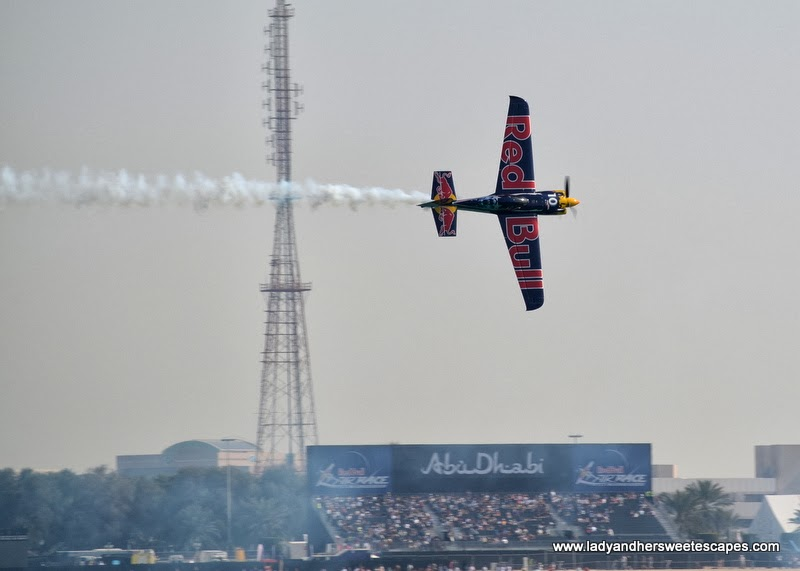 Red Bull Air Race in Abu Dhabi Corniche 5