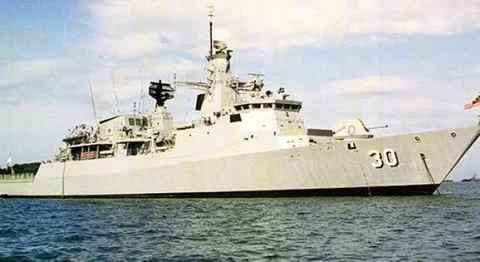Gambar kapal perang Lekiu class Milik AL Malaysia