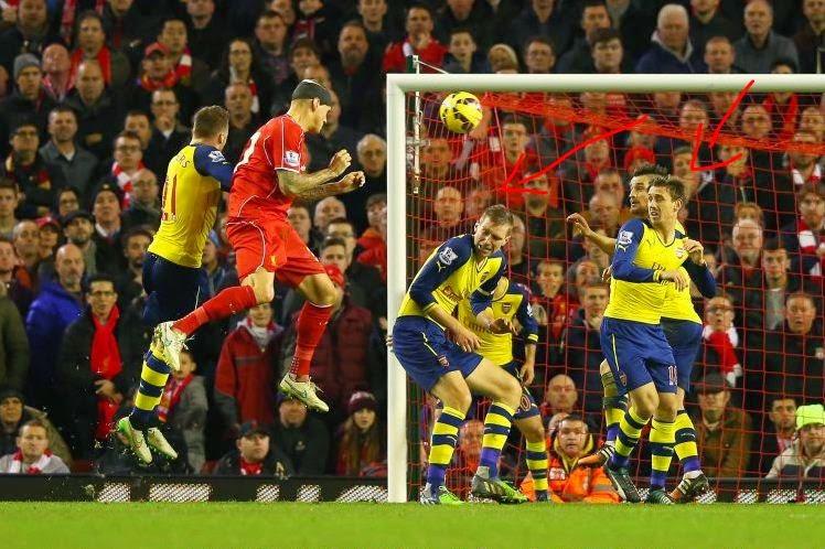 Bek Arsenal Ini Dituduh 'Pengkhianat' Saat Ditahan Imbang Liverpool