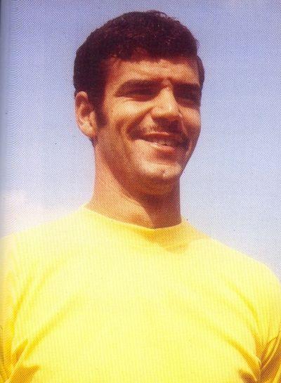 """Felipe Ojeda """"Trona"""" fue un estlizado centrocampista que durante buena parte de la década de los 70 figuró en la plantilla de la Unión Deportiva Las Palmas; ... - n_ud_las_palmas_trona-12587"""