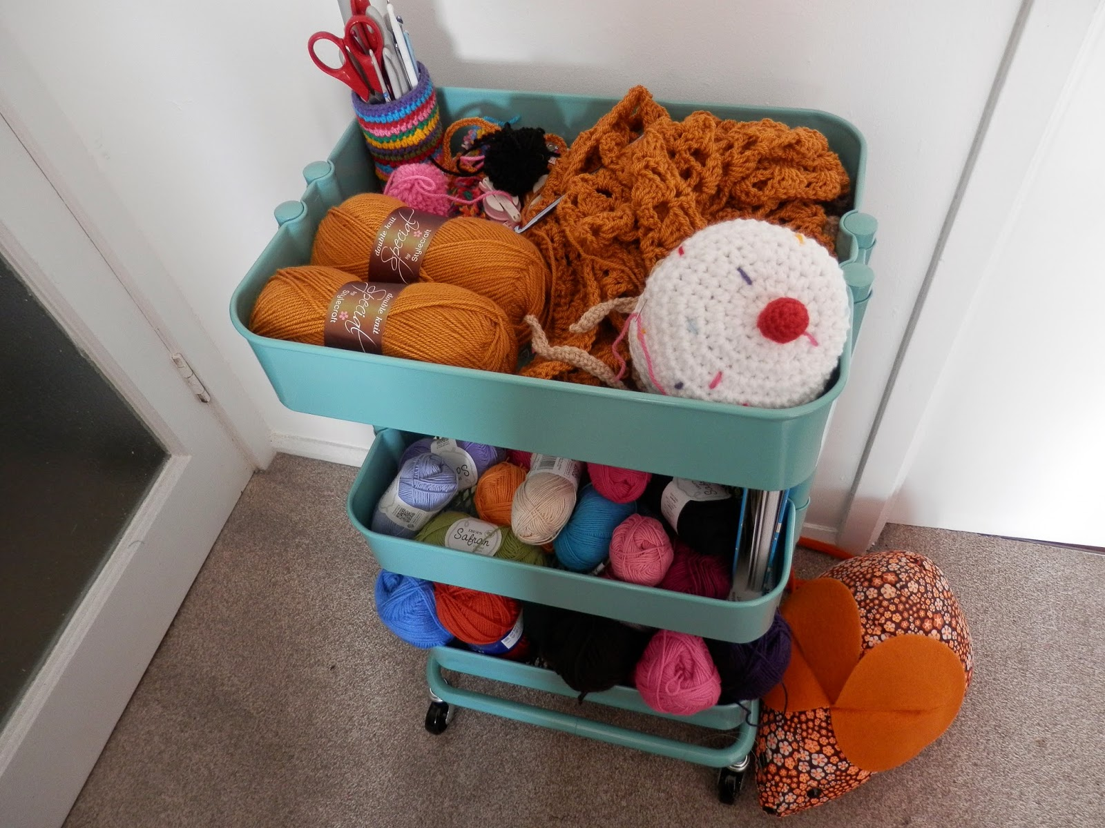 crochet-trolley-ikea-raskog-craft-trolley secondhandsusie.blogspot.co.uk
