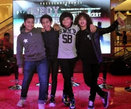 http://dangstars.blogspot.com/2014/02/akan-ganti-nama-kabar-coboy-junior-bubar-hanya-sensasi.html