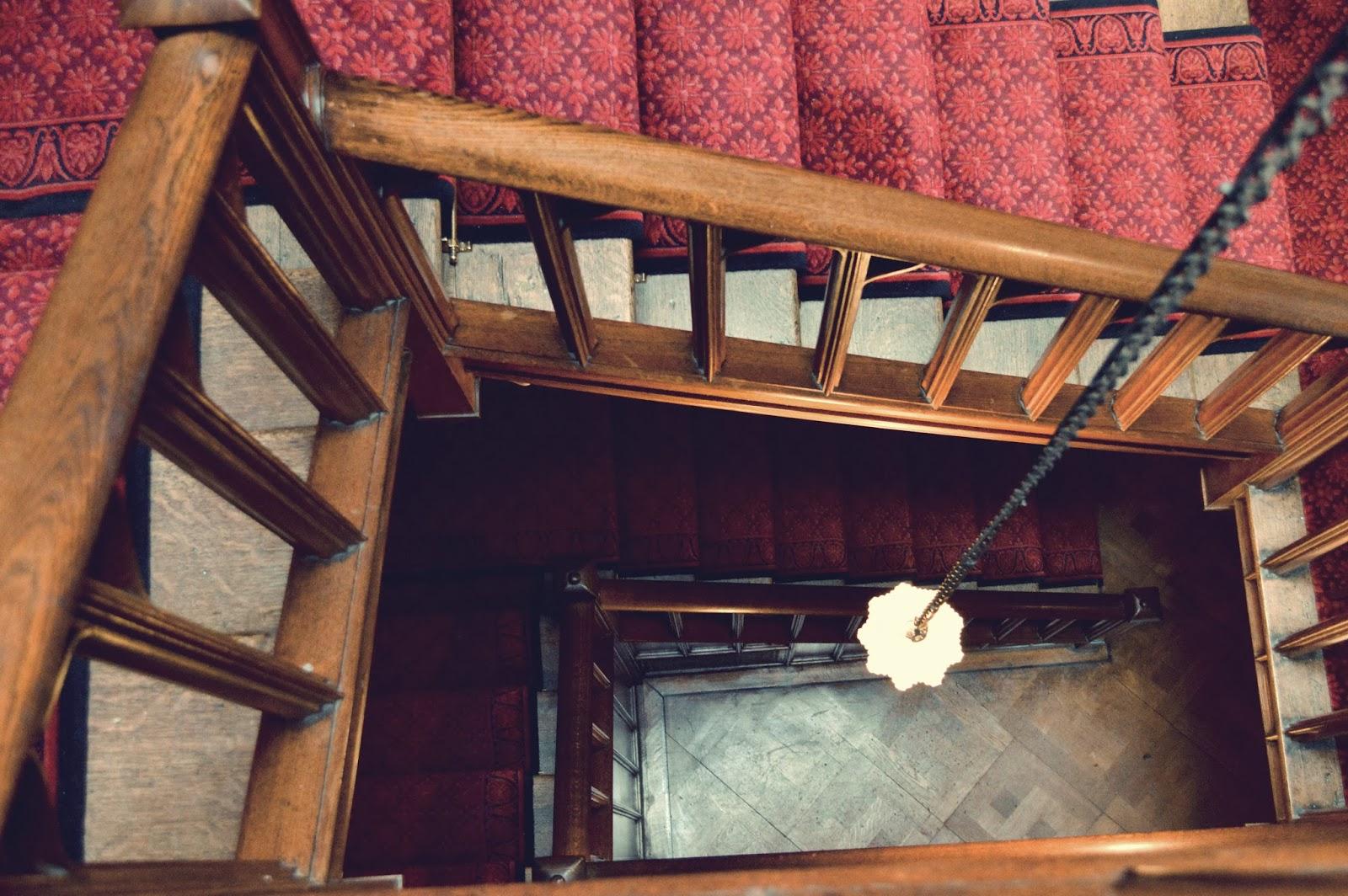 Hughenden Manor, interior, National Trust, 18th century, Victorian, library, visit, Uk, Buckinghamshire, photo, photography, inside, Benjamin  Disraeli, prime minister, staircase