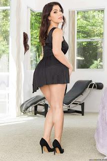 Hot ladies - rs-2-792244.jpg