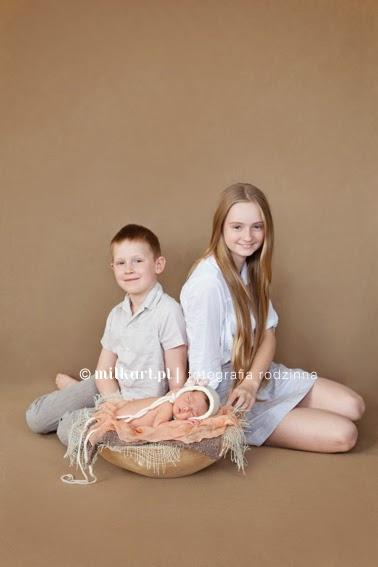 Fotografia rodzinna, sesje noworodkowe, fotograf noworodków, Joanna Jaśkiewicz, profesjonalne studio fotograficzne w poznaniu