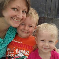 Всем привет!  Меня зовут Юля и я мама двух малышей!