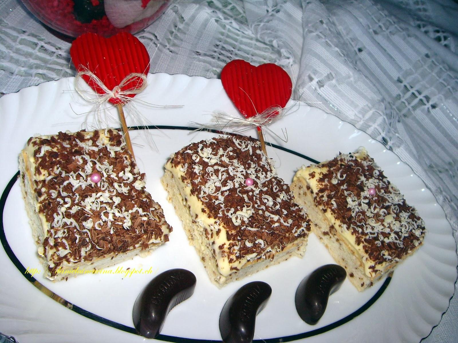 Prajitura cu blat de nuca si crema de vanilie/Torta con pan di spagna alle noci e crema di vaniglia