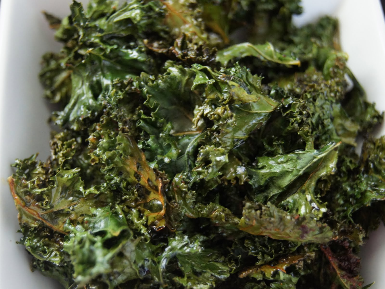 Simple Vegetarian Recipes: Baked Kale Chips