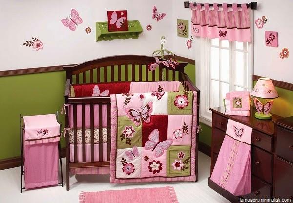 Magnifique décoration chambre bébé fille papillon