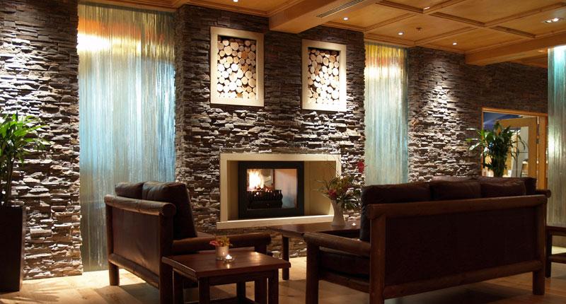 Piedra ecol gica combinaci n de tradici n y vanguardia en interiores - Piedras para decoracion de interiores ...