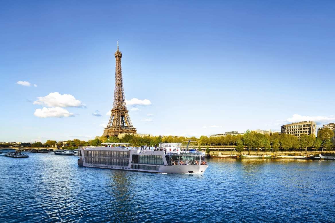 APT River Cruising Sails Into Paris
