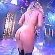 (video) Loirona fazendo strip em programa de TV