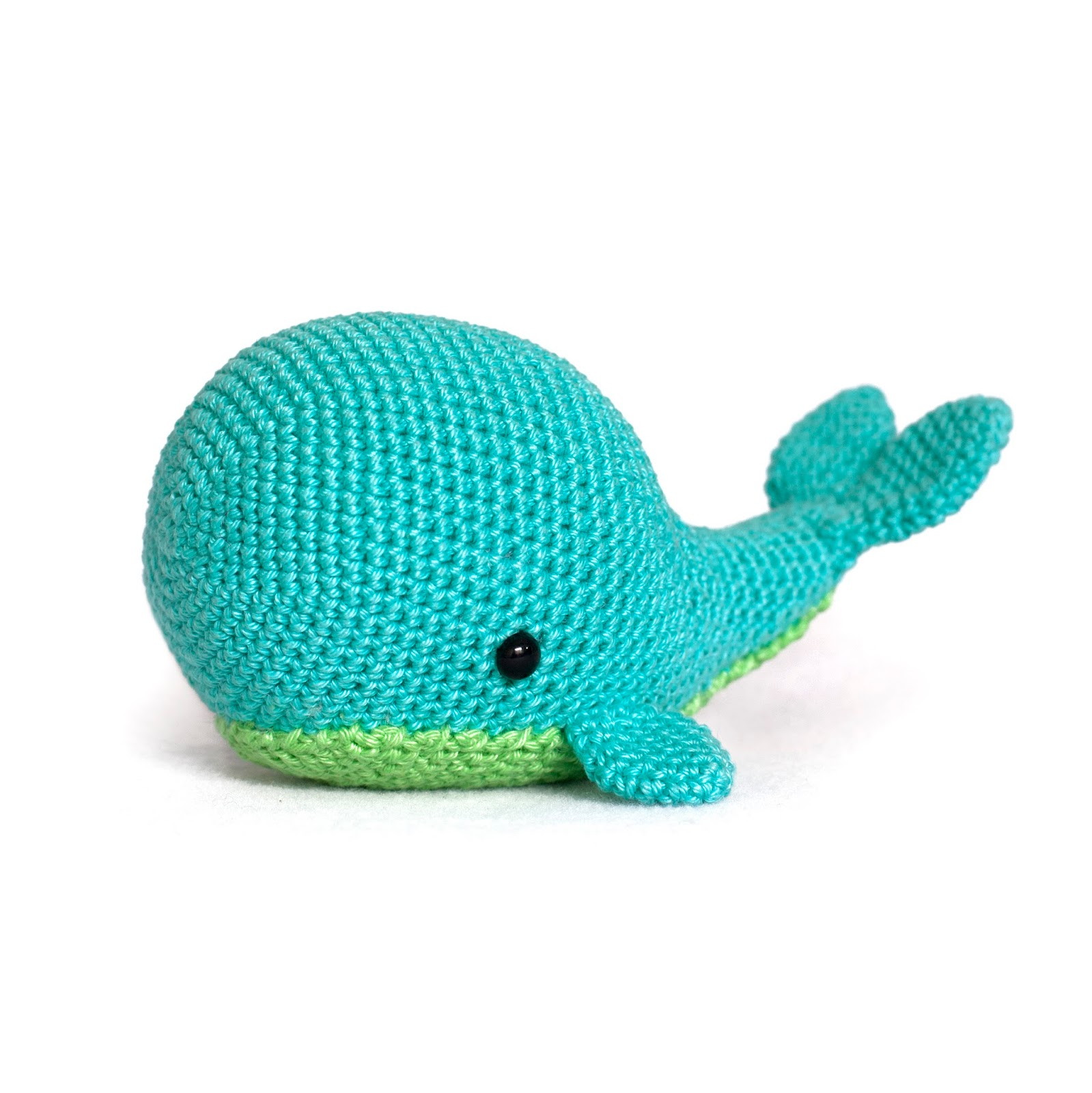 Toy Patterns by DIY Fluffies : Whale amigurumi crochet pattern