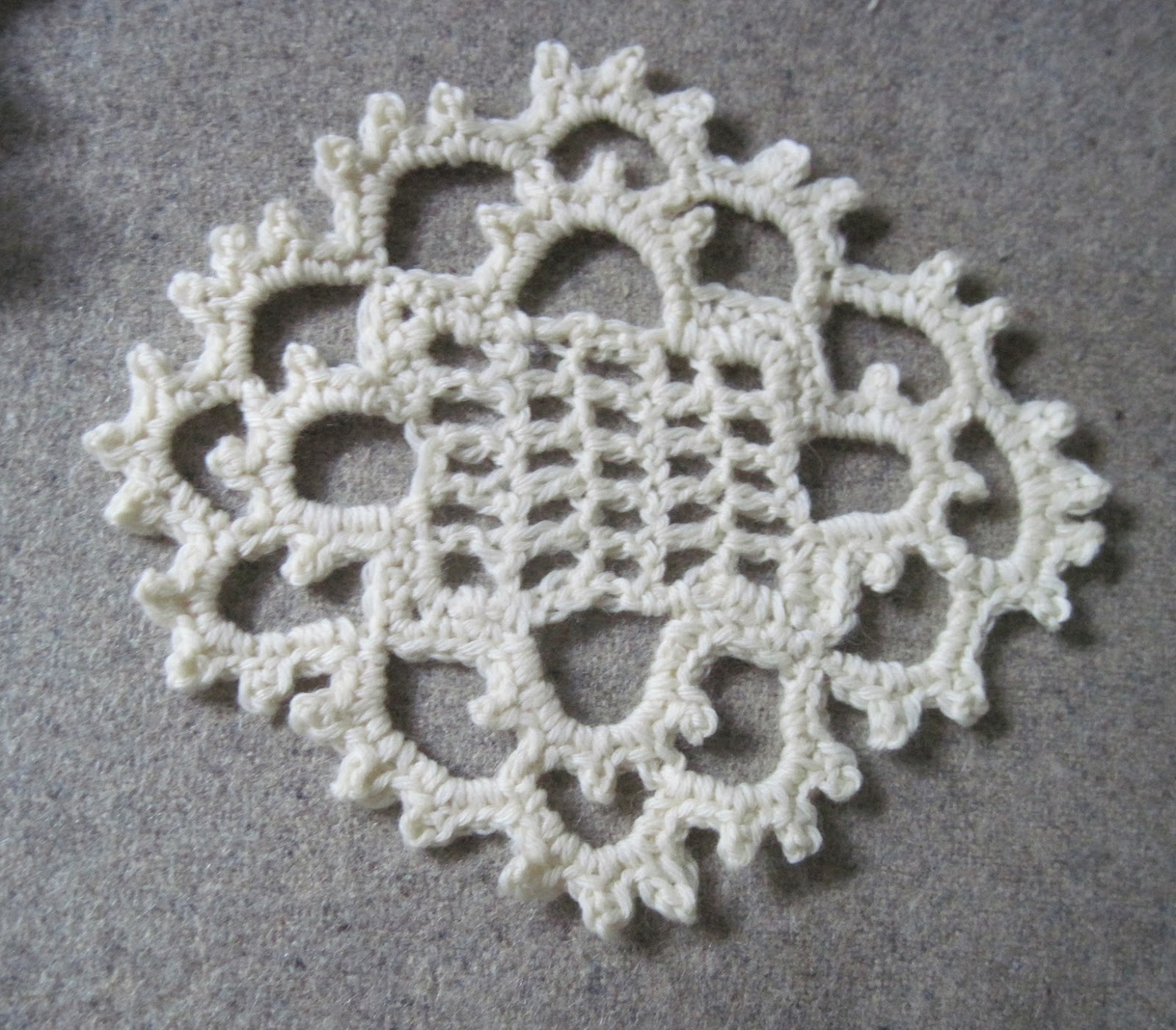 Zen Crochet by Akua Lezli Hope: Stumbling Into Discovery: Venetian Lace