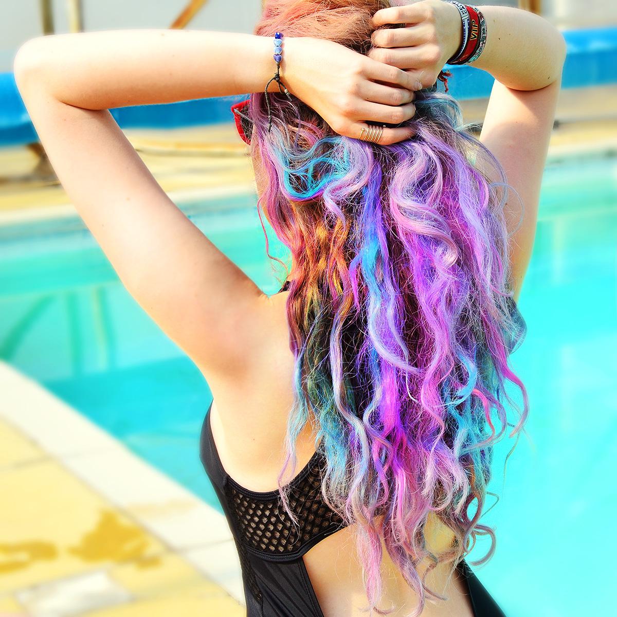 Rainbow Hair Blogger Stephi LaReine
