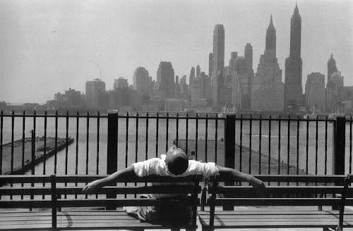 Louis Stettner, Manhattan from the Brooklyn Promenade, 1954