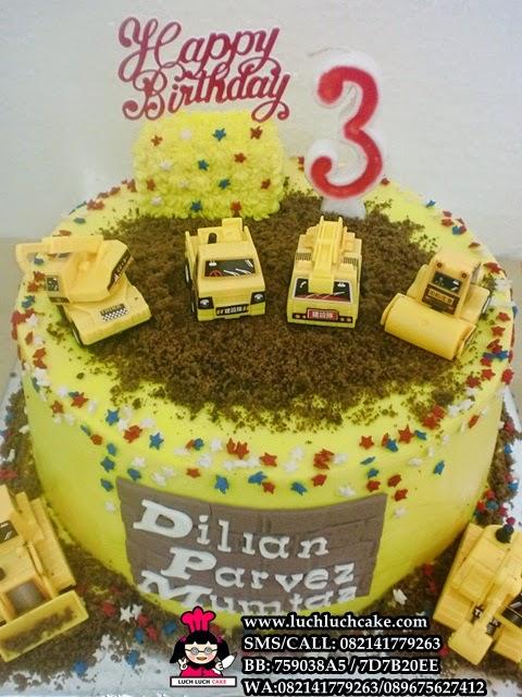 Kue tart ulang tahun untuk anak tema alat berat