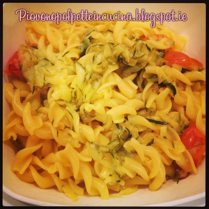 84 - pasta con zucchine e zafferano