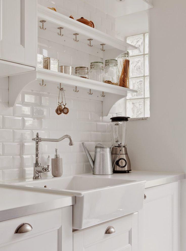 10 cocinas blancas y peque as diariodeco - Cocinas pequenas blancas ...