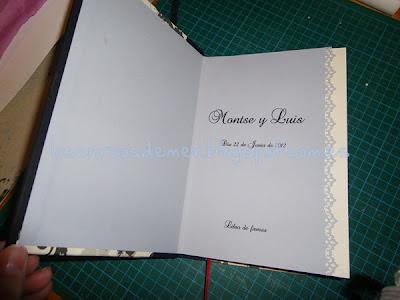 Interior de libro de firmas realizado con la técnica del cartonaje