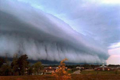 Shelf cloud, Hebron, KY June 15, 2010 by Stephanie West.