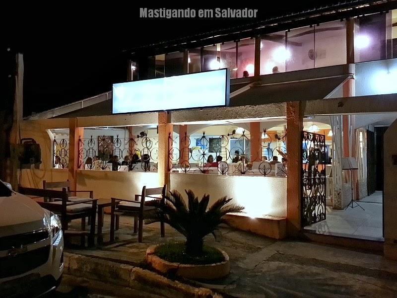 Montello restaurante e pizzaria gr mastigando em salvador for Fachada para restaurante