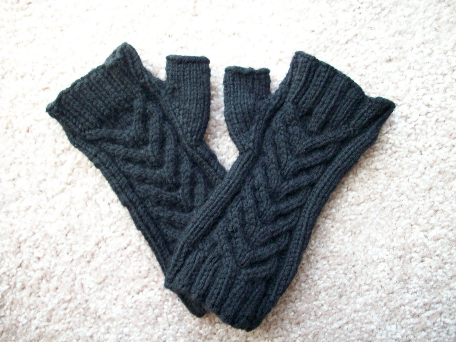 Where are the warm fuzzies?: Stalwart Staghorn Cable Fingerless ...