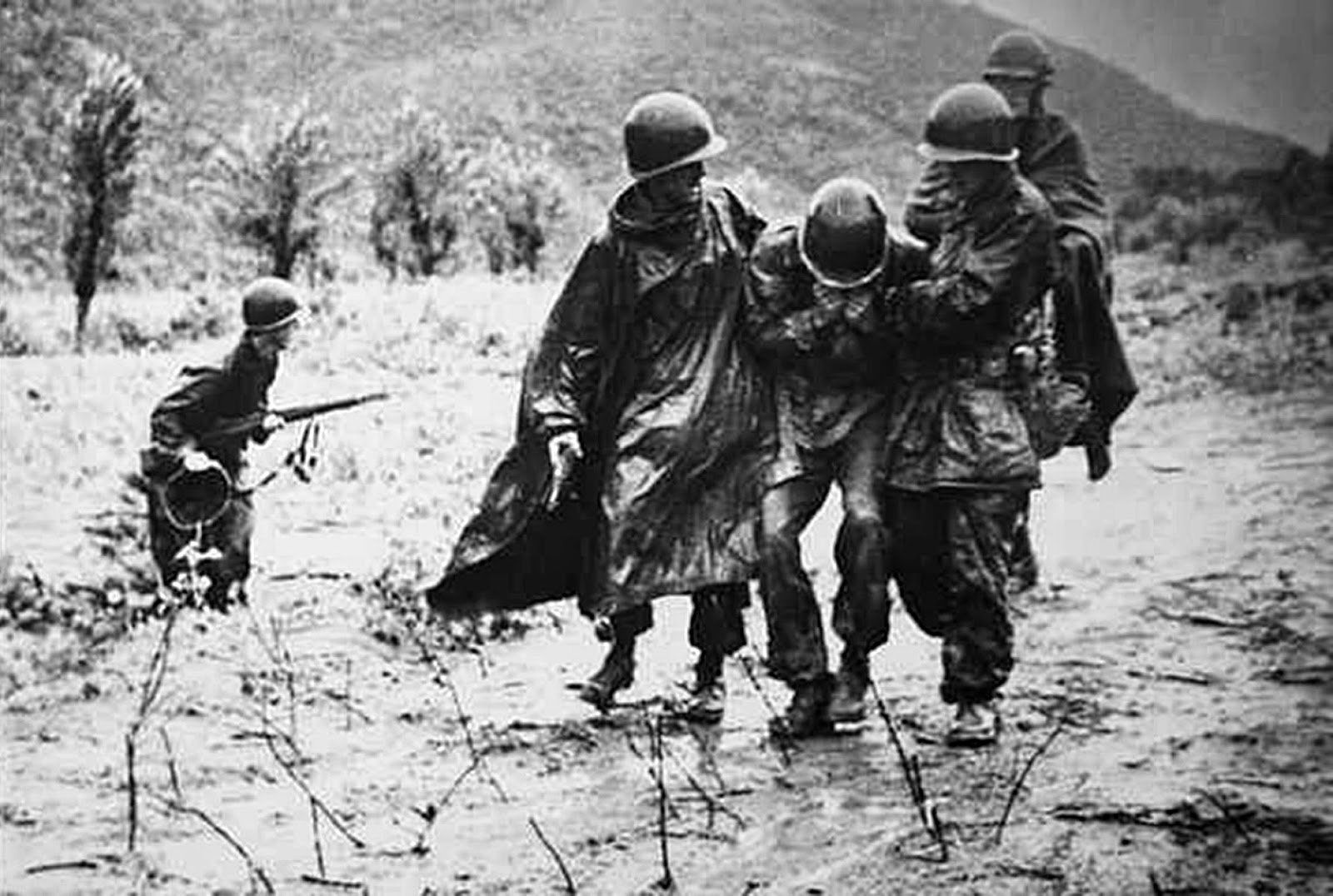 the fraternization of the american and korean soldiers during the korean war through the perspective American latino theme study these island soldiers also slogged through the ordeal of the puerto rican 65th us infantry regiment during the korean war.