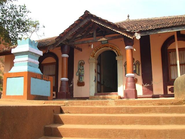 Гокарна. Небольшой храм