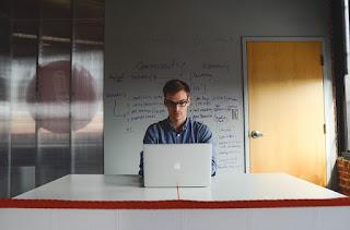 Mengapa Kamu Harus Menjadi Seorang Pengusaha Dibanding Karyawan?