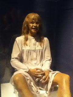 Imagen con una muñeca del Exorcista, cc:by-sa; Author: Pollack man34