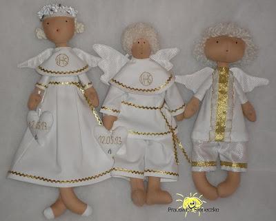 Anioły w albach na Komunię