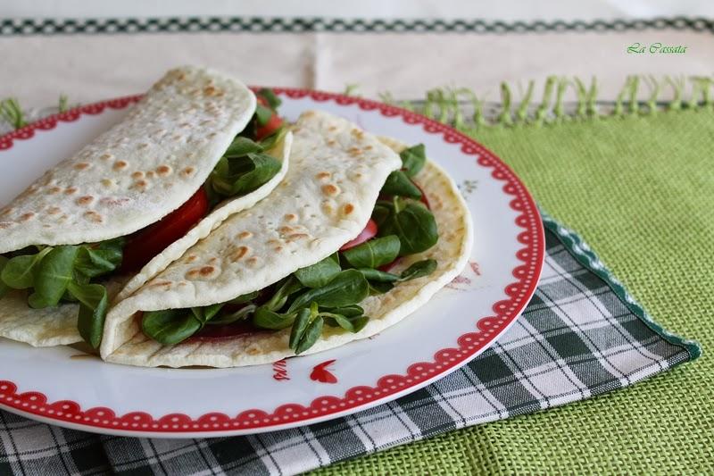 la video ricetta: piadine senza glutine con bresaola, formaggio e valerianella e 100% gluten free (fri)day
