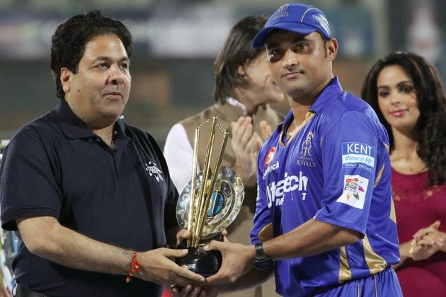Pravin-Tambe-Golden-Wicket-RR-vs-MI-CLT20-2013
