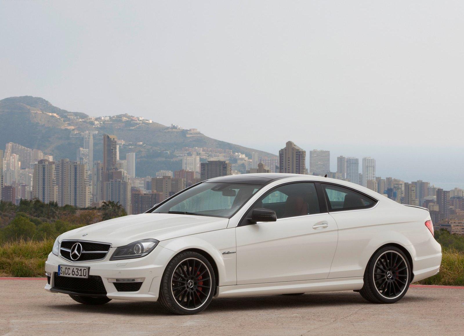http://3.bp.blogspot.com/-zO6G8YUKSP4/TcZWvNA4_jI/AAAAAAAAAeM/EIuCcSGM4Ng/s1600/Mercedes-Benz-C63_AMG_Coupe_2012_1600x1200_wallpaper_06.jpg