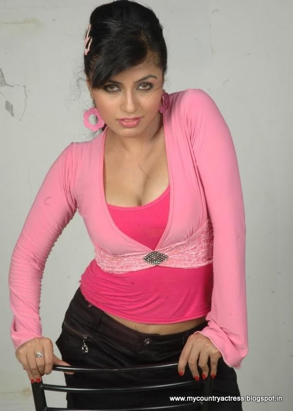 Aarthi puri hot photo - Aarthi Puri hot photos