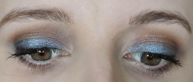 YSL Full Metal Eyeshadow in no 10 Wet Blue Applied