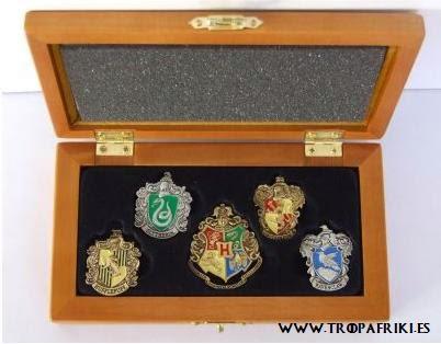 pins, con las 4 casas de Harry Potter: Gryffindor,  Hufflepuff, Ravenclaw y Slytherin