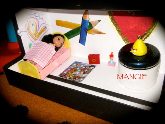 caja carton cuarto muñecas