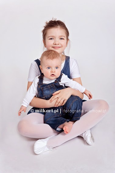 fotografia dziecięca, sesja zdjęciowa niemowlaka, fotograf dziecięcy, sesje na prezent, studio fotograficzne Poznań