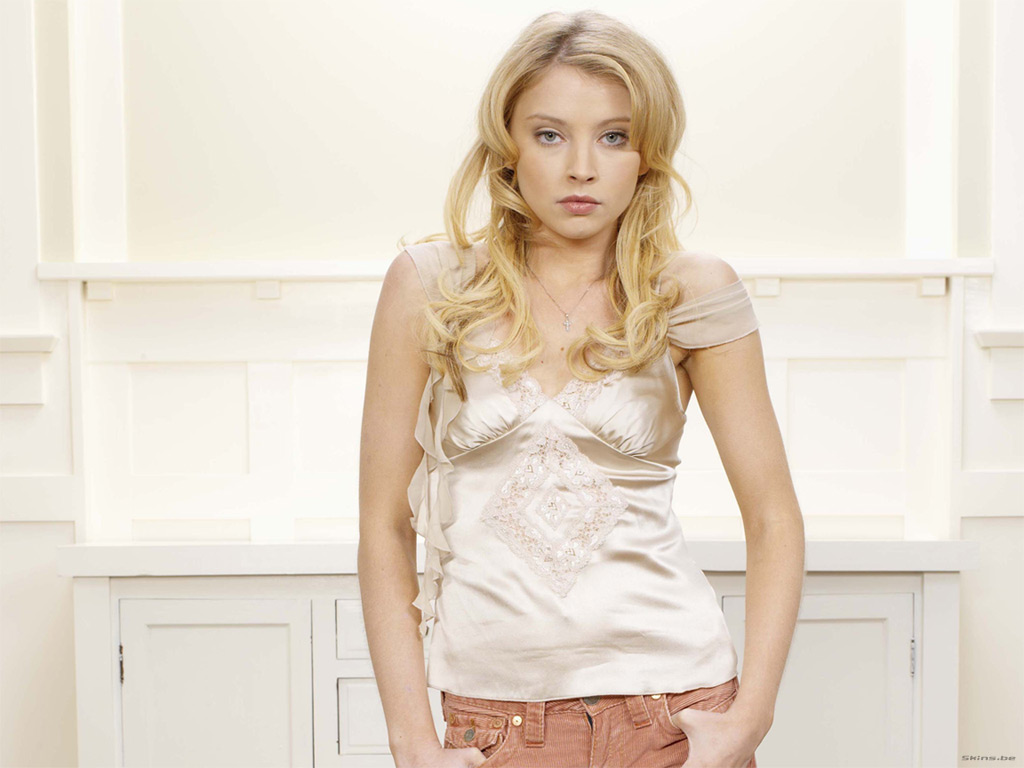 Elisabeth Harnois Latest Hot Wallpaper
