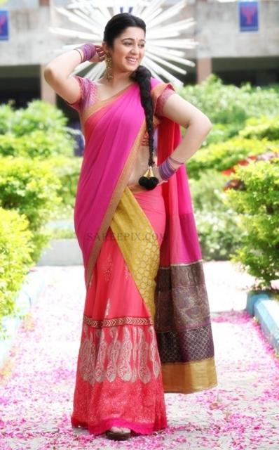 Charmi-kaur-embroidery-lehenga