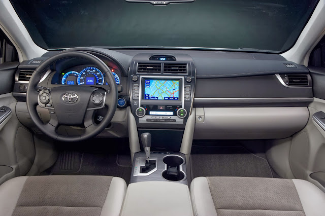 Interior view of 2014 Toyota Camry Hybrid