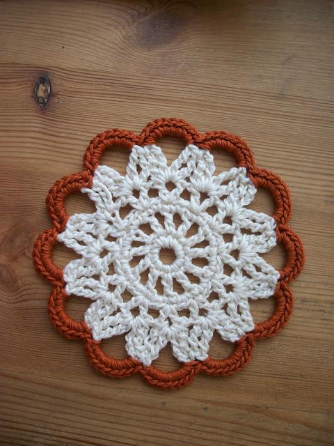 Louis et moi cosen y hacen crochet posavasos de ganchillo - Posavasos de ganchillo ...