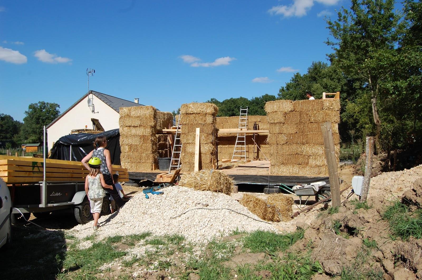 2013 une ann e entre paillenth se murs en paille porteuse 2 3 - Maison en paille porteuse ...